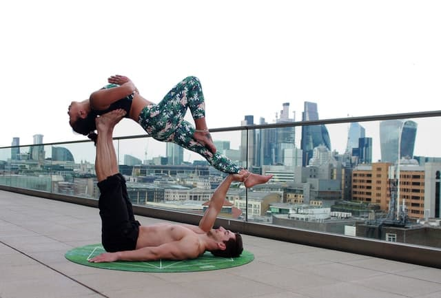 couples working out together benefits